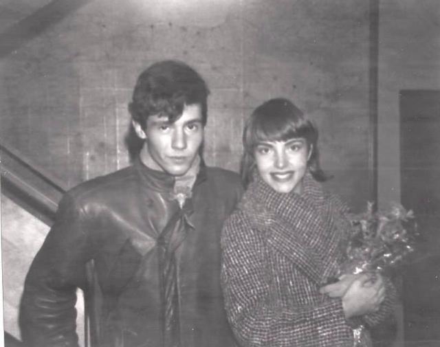 Bernardo junto a Tesa Arranz, la voz femenina de Los Zombies. Fue ella quien me regaló esta fotografía gracias a una amistad de redes sociales mediante la cual he podido sentir que a pesar de todo puedo estar un poco más cerca de Bonezzi.